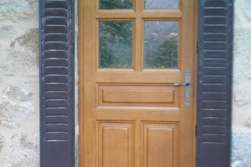 Menuiserie Bernard Tarrit Portes et fenêtres région Ambert